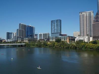 市区某楼盘热销,泉州房价小幅上涨……