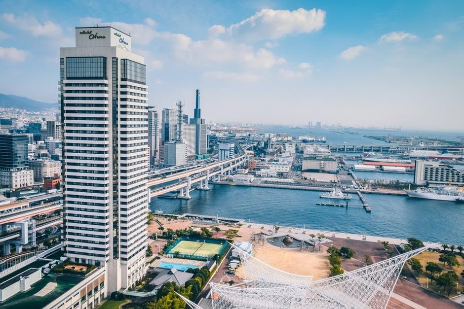 王健林:城市买房,近江、河、湖、海,绿地、湿地、公园的房,未来都值钱!升值空间无限!